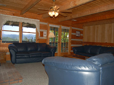 A majestic view 4br cabin pet friendly cabins in for Luxury pet friendly cabins pigeon forge