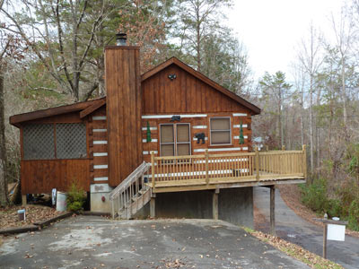 Bear country 2br cabin pet friendly cabins in pigeon forge for Luxury pet friendly cabins pigeon forge